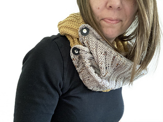 Sample 2 in Blonde Roast and Octember. Air Hugs Wrap styled as a double wrap cowl, using JUL pedestal buttons to close the long loop.