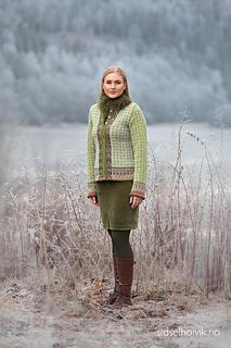 Mother Åse's jacket Design: Sidsel J. Høivik / sidselhoivik.no Photo: Anne Helene Gjelstad  Yarnkit at www.sidselhoivik.no