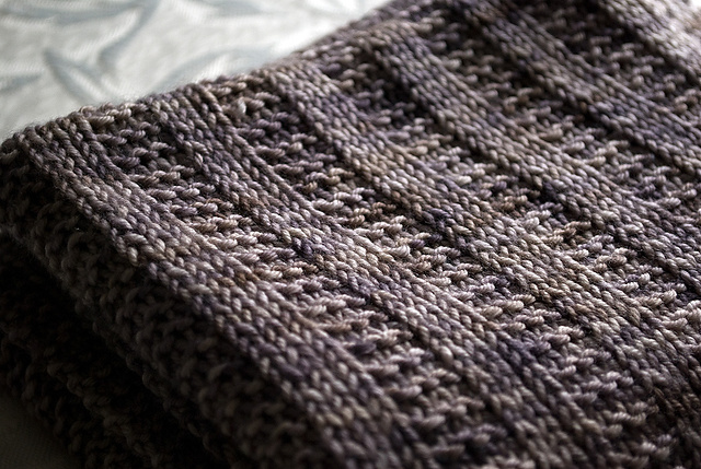 knit and purl pattern for Easy Garter Rib Baby blanket in DK weight yarn
