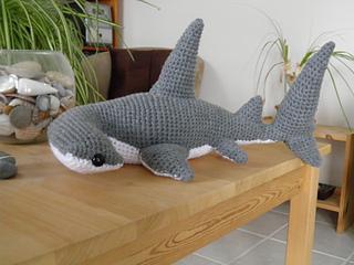 Shark amigurumi pattern crochet toy | 240x320