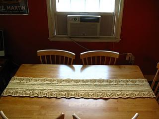Scalloped Table Runner