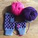 Purple polka dot mittens pattern