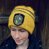 The pattern suggests colour combinations for Hufflepuff, Ravelclaw, Gryffindor, and Slytherin.