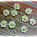 Daisy Chain Bunting pattern
