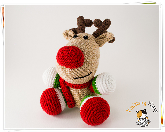 Reindeer amigurumi crochet pattern | Amiguroom Toys | 512x640